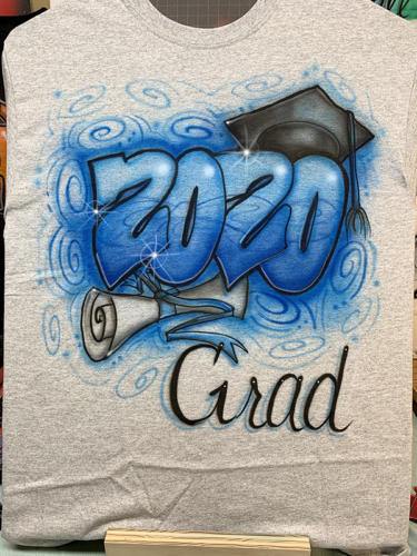 2020 Minnetonka High School colors graduate